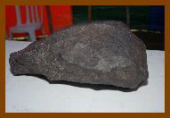 Meteorito Bocaiuva, encontrado em Minas Gerais em 1965. Grupo de Astronomia da UFMG.